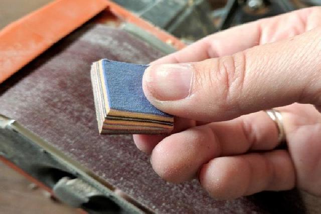 Создаю необычные подвески своими руками: подруги не верят, что они сделаны из бумаги