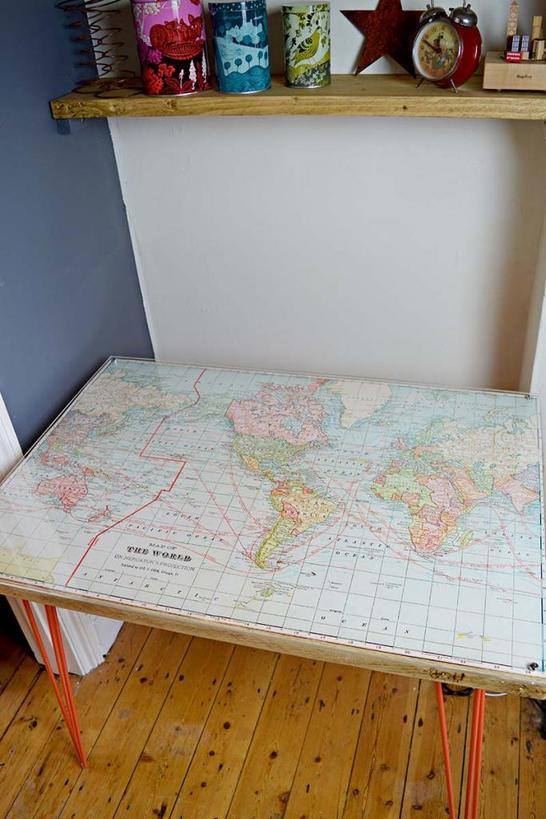 Муж смастерил стол с картой мира: теперь ребенок выучит географию намного быстрее