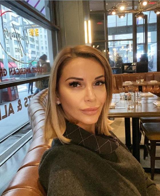 Ольга Орлова показала провокационное фото с Андреем Малаховым, чем вызвала гнев со стороны его жены