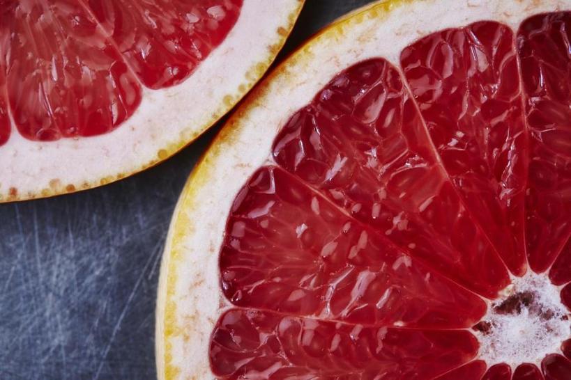Фруктовый уход, или Готовим детокс маску и скраб для лица из грейпфрута: простые рецепты