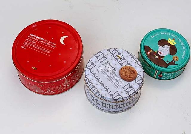 Решила преобразить старые коробки из под печенья: сделала из них стильные шкатулки