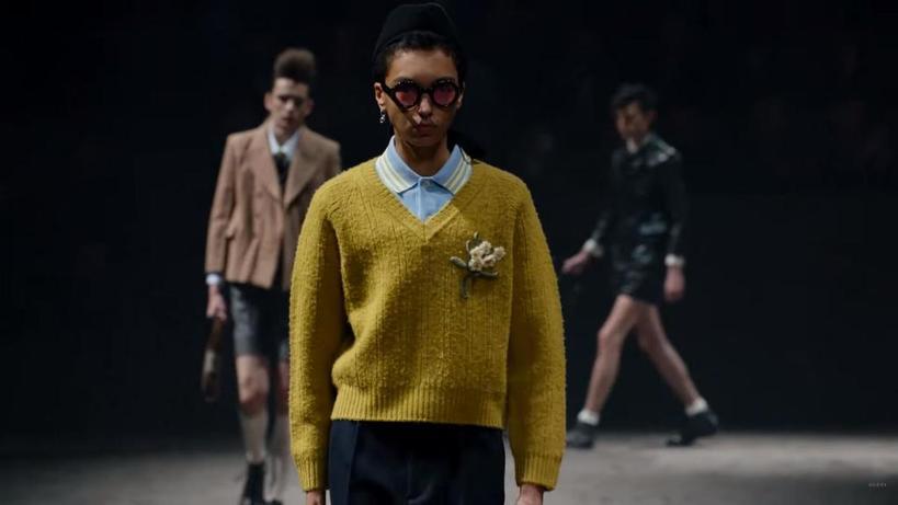 Платья, гольфы и блузки с рюшами: как должен выглядеть настоящий мужчина в 2020 году по мнению Gucci (фото)