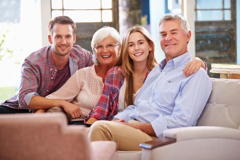 Они часто бывают в курсе всего - 7 признаков токсичных родственников партнера