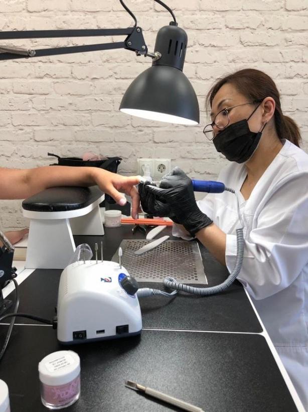 Титановый маникюр - новое веяние в мире ногтевой эстетики: что это такое и почему становится популярным