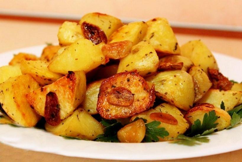 Ароматный картофель с беконом, сыром и луком в мультиварке: оставила готовиться на всю ночь, утром был готов сытный завтрак