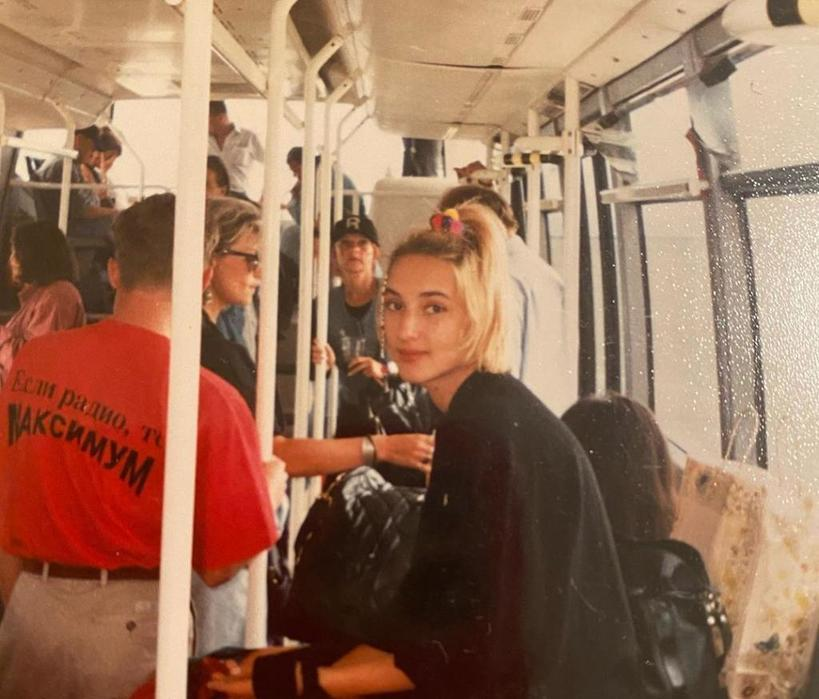 Лера Кудрявцева порадовала поклонников редкими архивными фото 25 летней давности