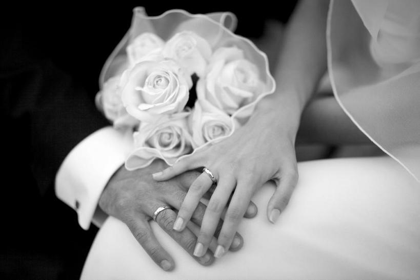 Ирония судьбы: как я вышла замуж за незнакомца, который пробрался в мою квартиру