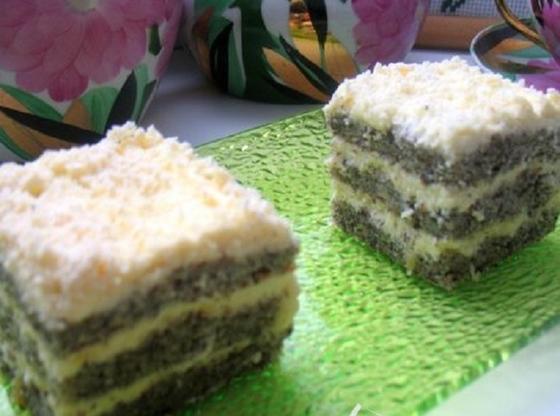 Торт с маковыми коржами и кремом из белого шоколада не похож ни на один другой (рецепт)