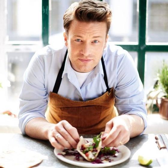 Все дома без ума от свекольного салата Джейми Оливера: главный секрет в необычной подготовке ингредиентов