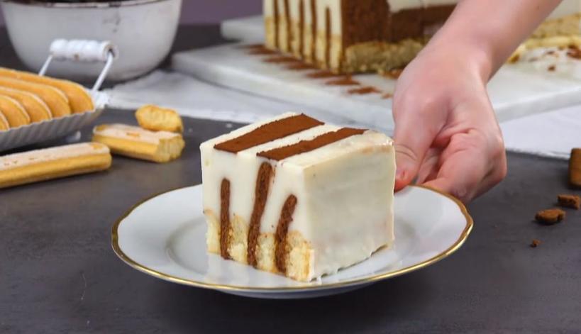 Порадовала домочадцев ванильно сливочным тортом с  дамскими пальчиками