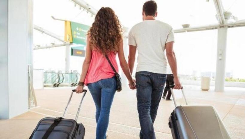 Ехать с парнем или остаться? Психологи рассказали, стоит ли решаться на перемены ради отношений