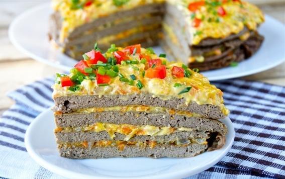 Сытный печеночный торт с сыром и грибами. Готовлю его с молочным соусом