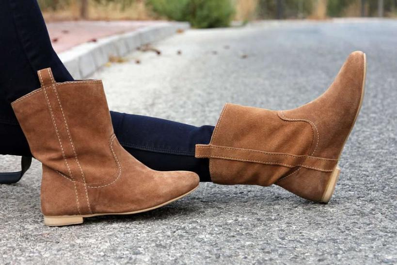 Замшу можно очистить молоком! 5 советов для тех, кто носит замшевую обувь