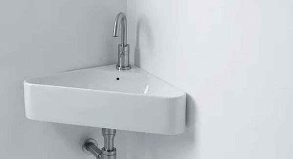 10 идей для маленькой ванной комнаты: черный цвет придаст глубины пространству