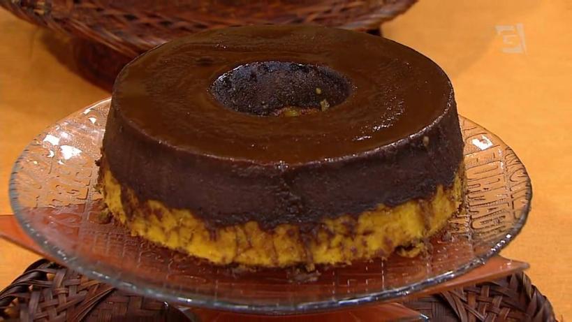 Приготовила морковный пирог с шоколадным пудингом. Блюдо бразильской кухни пришлось по вкусу всем