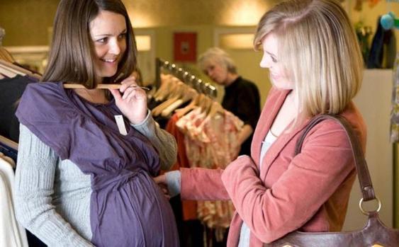 Как правильно разговаривать с беременной, чтобы не обидеть ее: похвалить внешность и не только
