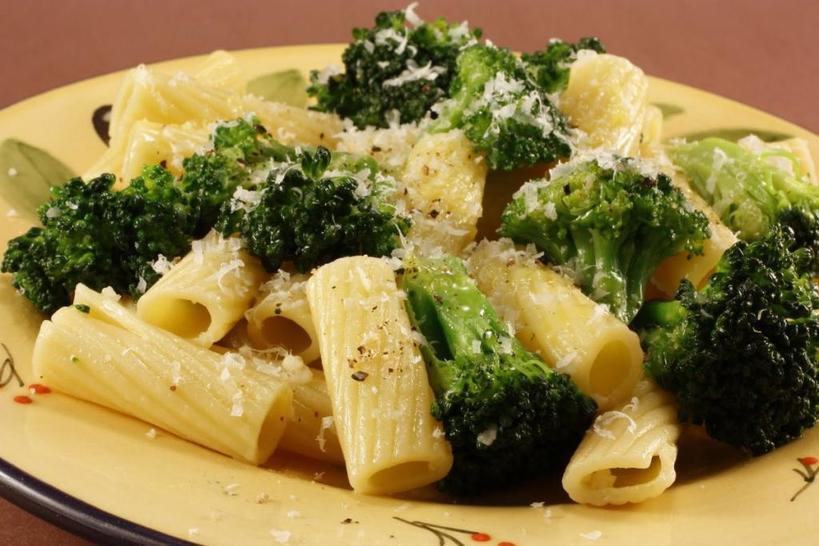 Макароны с сыром, брокколи и сладкой кукурузой   это потрясающий рецепт: мои дети обожают такое блюдо