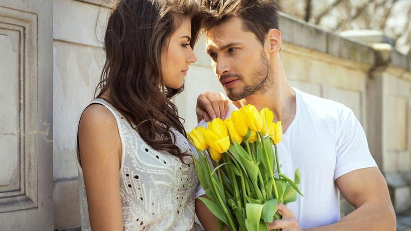 Элегантность, ощущение престижа и не только: какими качествами должна обладать женщина, чтобы мужчины в нее влюблялись