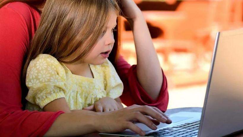 Не за партой: создаем расписание и помогаем детям адаптироваться к обучению на дому