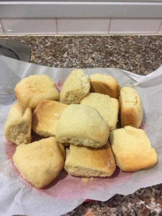 Когда в холодильнике нет яиц и масла, пеку вкусное простое печенье: нужны лимонад, сливки и мука