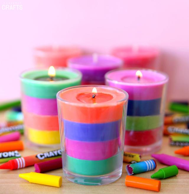 Украшаем дом вместе с детьми, или Как сделать яркую свечу