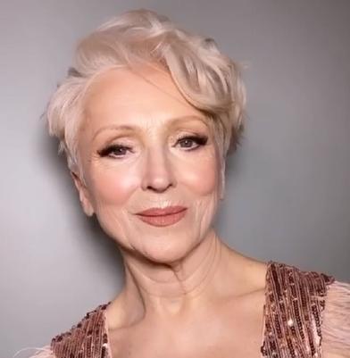 71-летняя Ольга доверилась визажисту и ушла из салона невероятной красавицей (хоть завтра на подиум)