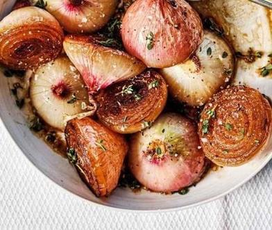 Никогда не думала, что лук может быть таким вкусным: рецепт королевского гарнира