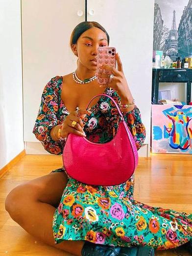 Платья, которые будут в моде этим летом. Цветочек, яркие тона и открытая спинка
