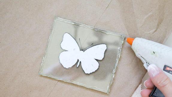 Бабочка в подарок: как сделать милый аксессуар для мамы, сестры или подруги
