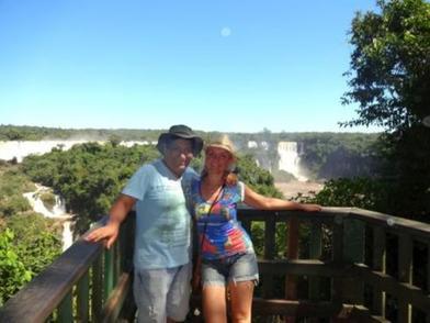 Женщина нашла свою любовь на другом конце света и переехала туда с двумя детьми. Теперь она делится историей жизни в Бразилии