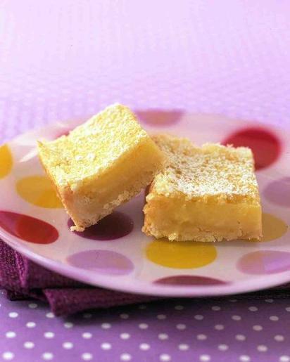 Лимонный пирожные поднимают не только иммунитет, но и настроение. Песочное тесто и сливочная начинка