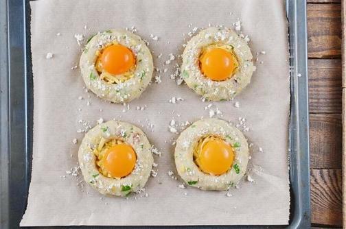 Из картофеля и яиц выпекаю красивые