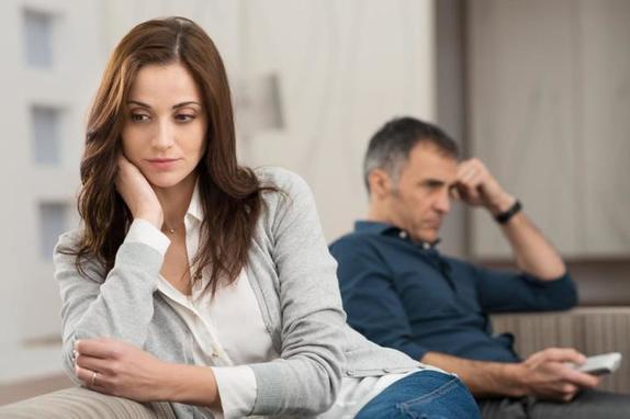 Обвиняет вас во всех конфликтах. 9 признаков, что муж вас больше не любит