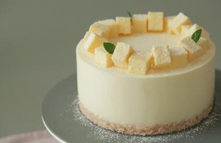 На работе коллега угостила домашним тортом  Двойные ягоды . Выпросила рецепт и теперь готовлю десерт у себя дома