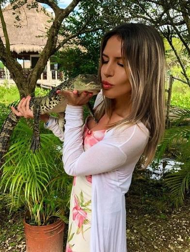 Александра Дедюшко нет уже 12 лет: как выглядит его взрослая дочь на новых снимках