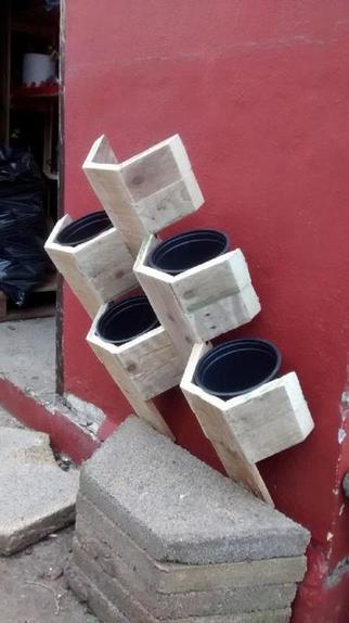 Как сделать стенд для цветочных горшков в виде сот: пошаговая инструкция