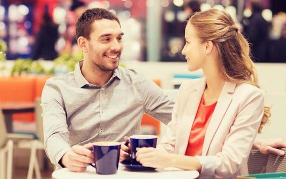 Астрологи назвали 5 знаков зодиака, которые часто играют со своими партнерами, чтобы доказать любовь