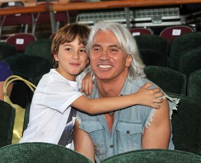 Вдова Дмитрия Хворостовского опубликовала новые фото 16-летнего сына. Он очень похож на отца