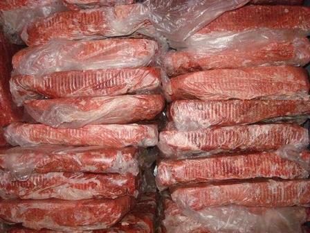 Прибегать к использованию микроволновки в крайнем случае: как замораживать, размораживать и хранить в морозилке говяжий фарш