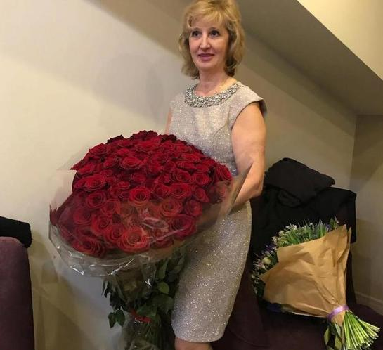 Если бы Светлана Лобода не делала пластику, то была бы ее копией: как выглядит мама певицы (редкие снимки)