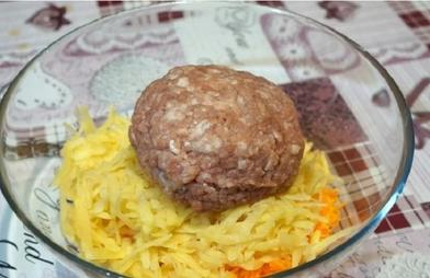 Горсть фарша, 2 картофеля и 1 морковь - все что нужно для вкусного и сытного ужина: пошаговый рецепт с фото