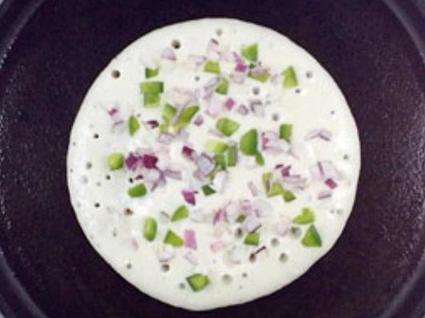 Индийская лепешка из рисового теста с овощами и луком: пошаговый рецепт полезного завтрака