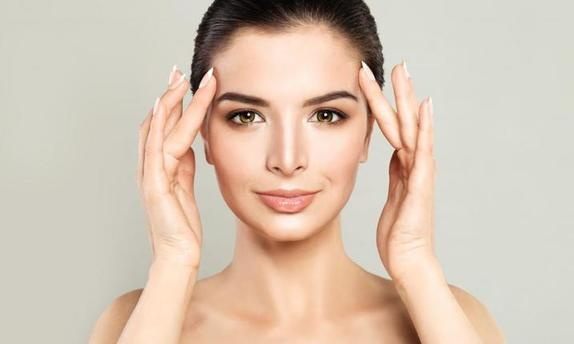 Легкий массаж для здорового сияния кожи. Можно даже при макияже (видео)
