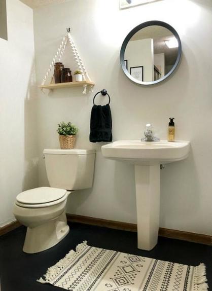 Как выглядит ванная после ремонта за 100$: изменения видны невооруженным глазом
