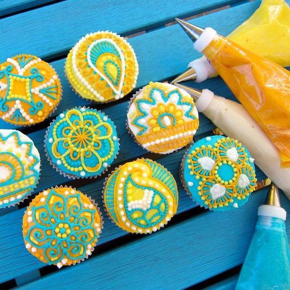 Мехенди может быть не только на теле: готовим кексы с очень ярким и необычным дизайном