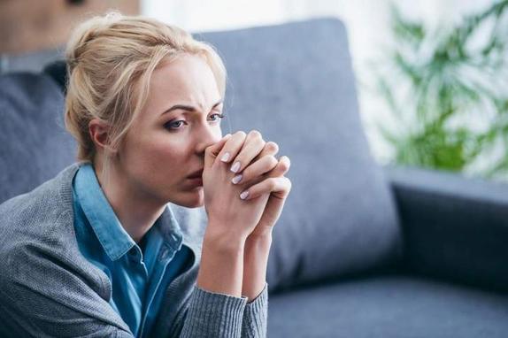 Почему женщины переносят расставание иначе, чем мужчины: объяснение психолога