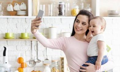 «То, что я мама, не значит, что я люблю других детей!»: исповедь женщины начала полемику среди пользователей Сети
