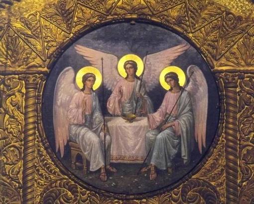 Давно ничем серьезным не болею: от любой хвори спасает заговор, прочитанный в Троицу над первой водой из крана