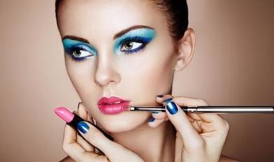 Время диктует новые тренды в производстве инструментов для макияжа: средства для дезинфекции, особые аппликаторы