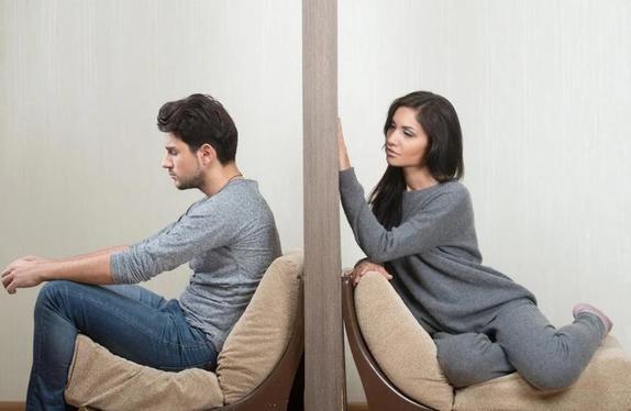 Подруга рассказала, что нужно говорить самой себе, когда жутко хочется позвонить бывшему парню: помогает безотказно